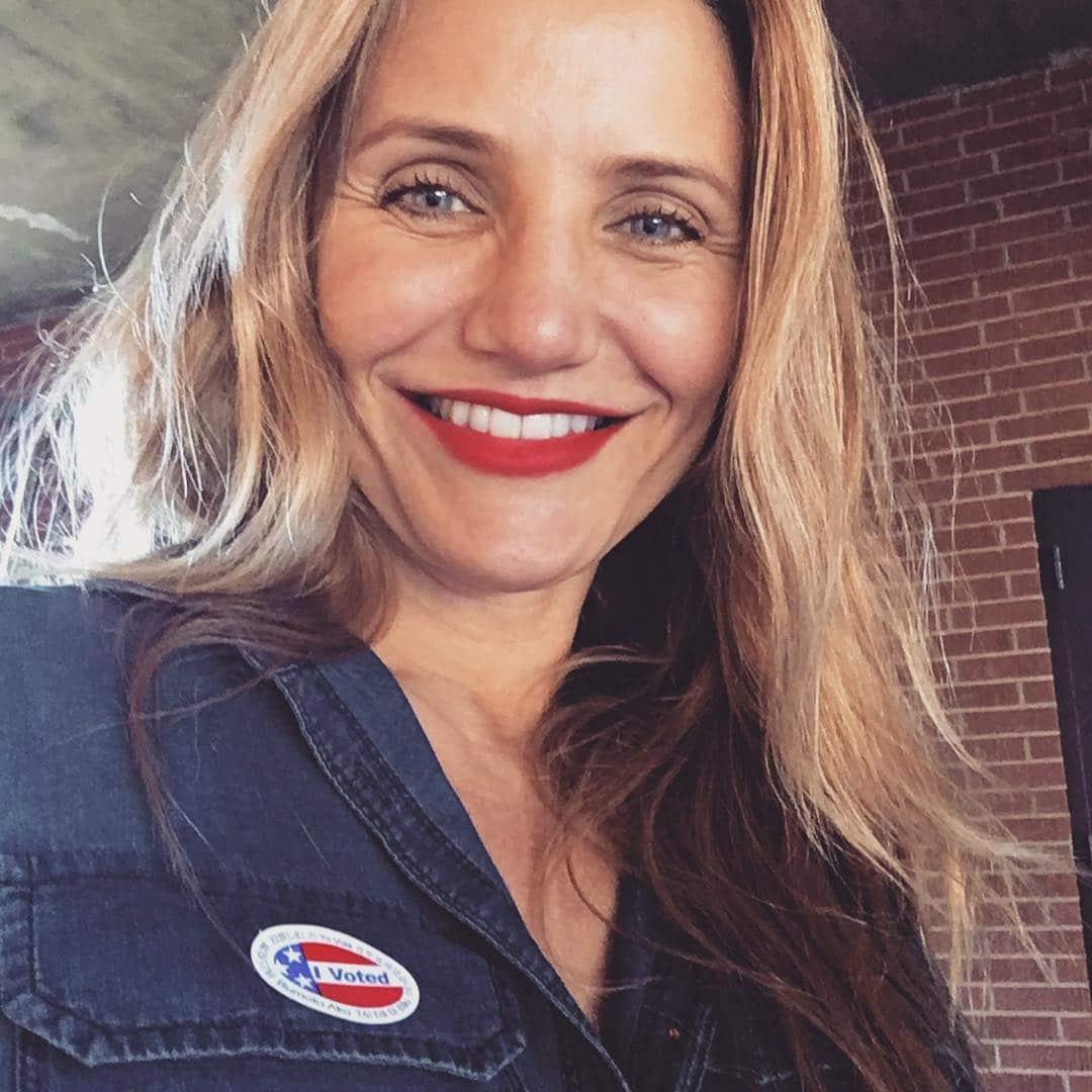 Cameron Diaz Voting Selfie 1