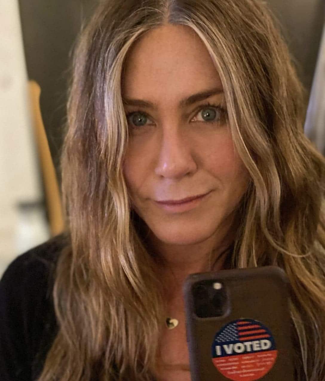 Jennifer Aniston Voter Selfie 1
