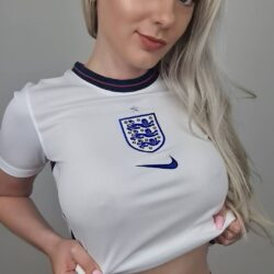 It's coming home sexy selfie 4
